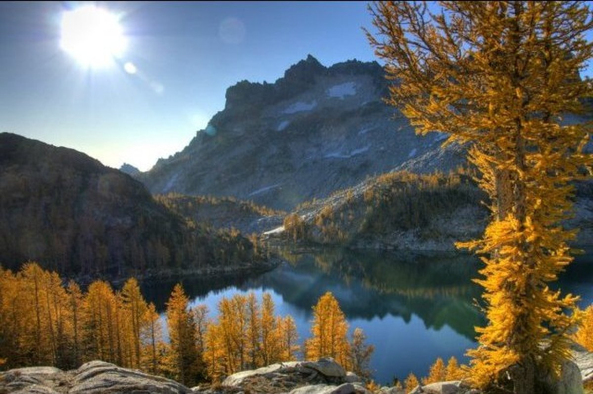 """The <a href=""""http://www.wta.org/go-hiking/hikes/enchantment-lakes"""" target=""""_hplink"""">traditional path</a> to Enchantment Lakes"""