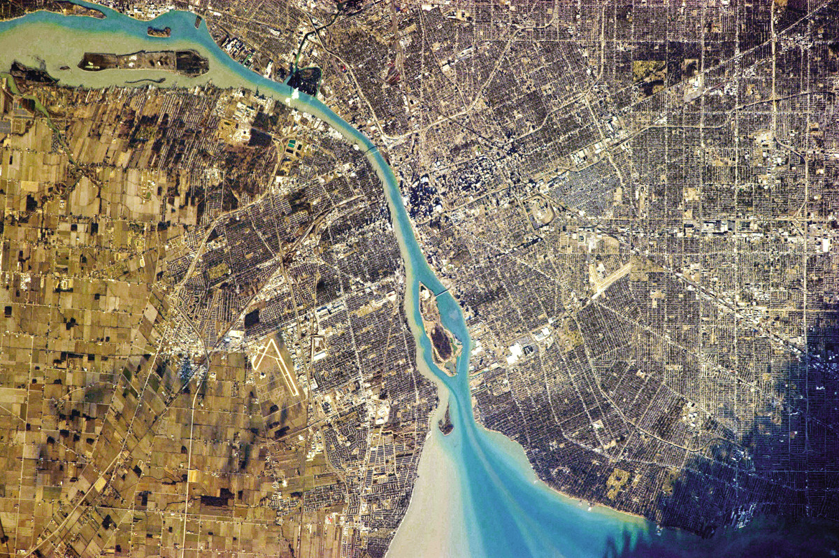Detroit, Michigan (on right), and Windsor, Ontario (on left) represent two countries that are separated by this one river.