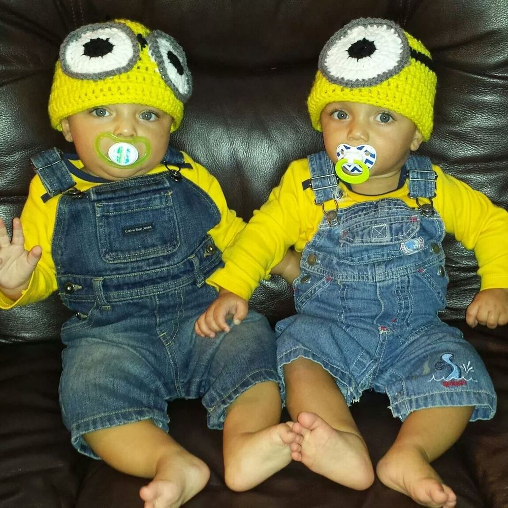 Halloween Costumes For Twins That Will Win You Over, Twice | HuffPost