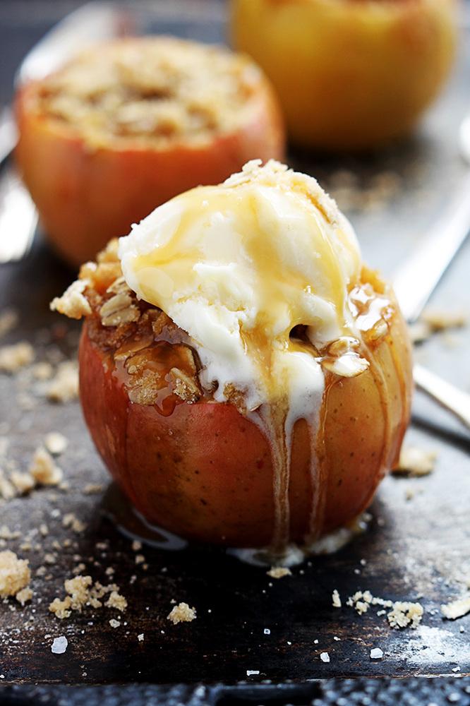 "<strong>Get the <a href=""http://lecremedelacrumb.com/2014/09/apple-crisp-stuffed-apples.html"" target=""_blank"">Apple Crisp Stu"