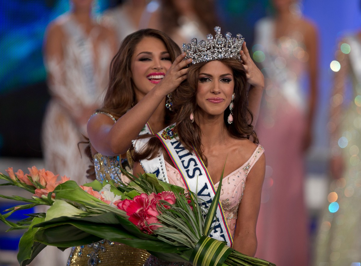 Miss venezuela desnuda Nude Photos 24