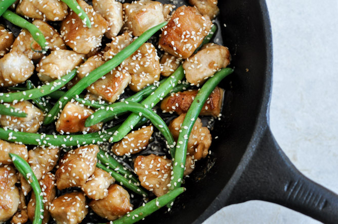 """<strong>Get the <a href=""""http://www.howsweeteats.com/2012/10/simple-sesame-chicken-skillet/"""" target=""""_blank"""">Simple Sesame Ch"""