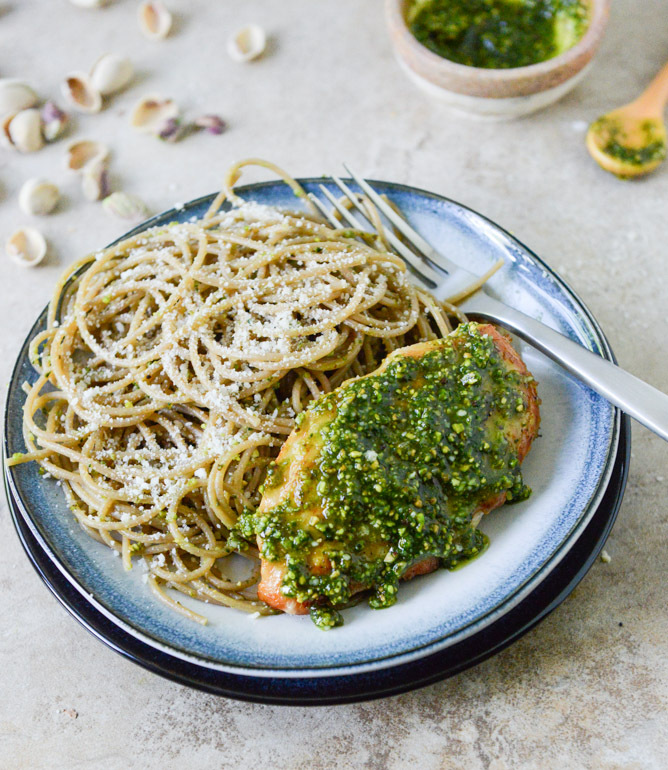 """<strong>Get the <a href=""""http://www.howsweeteats.com/2013/05/pistachio-pesto-chicken-with-whole-wheat-spaghetti/"""" target=""""_bl"""