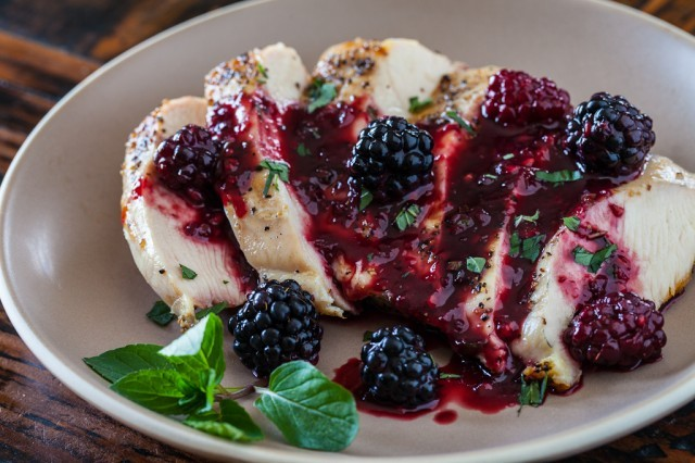 """<strong>Get the <a href=""""http://www.steamykitchen.com/27061-grilled-chicken-with-blackberry-sweet-and-sour-sauce-recipe-video"""
