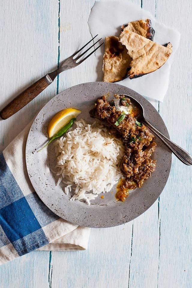 "<strong>Get the <a href=""http://www.steamykitchen.com/16512-chicken-vindaloo.html"" target=""_blank"">Chicken Vindaloo recipe</a"
