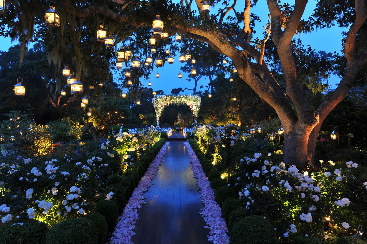 10 Wedding Lighting Ideas That Are Nothing Short of Magical