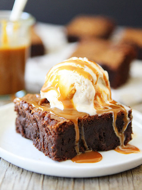 "<strong>Get the <a href=""http://www.twopeasandtheirpod.com/dulce-de-leche-brownies/"" target=""_blank"">Dulce De Leche Brownies"