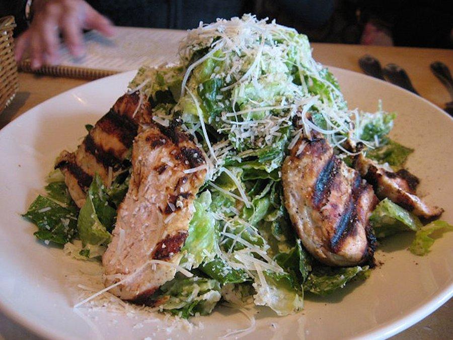 Applebee Grilled Chicken Caesar Salad Calories