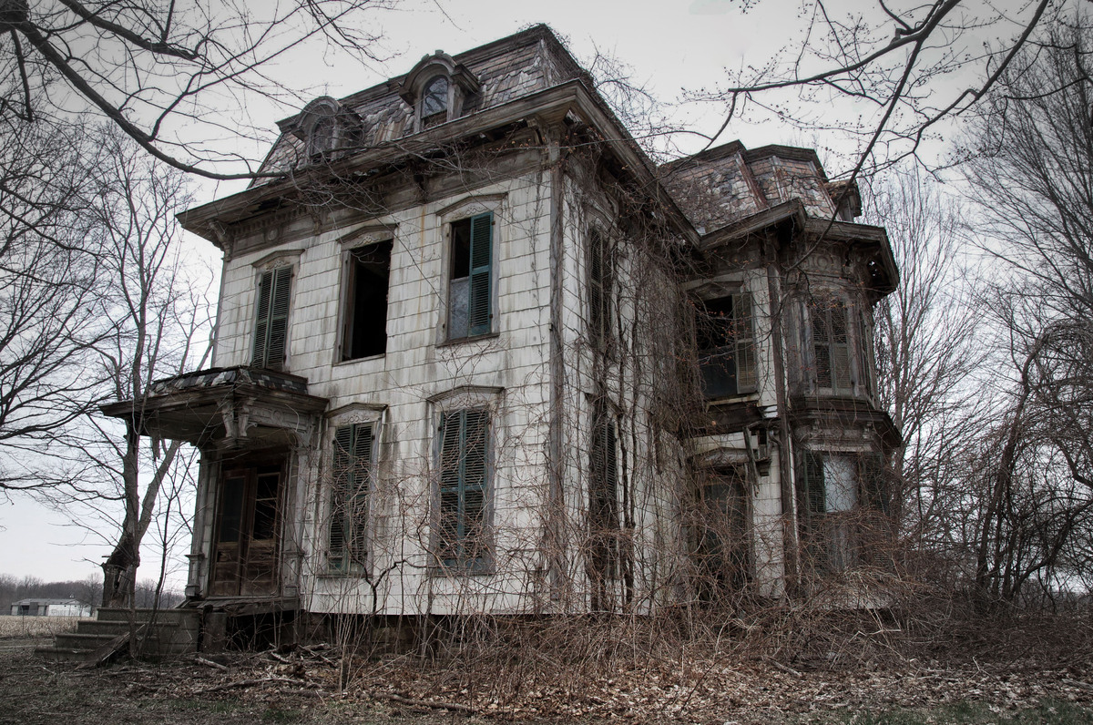 13 Spooky Looking Houses That Have Inspired Ghost Stories