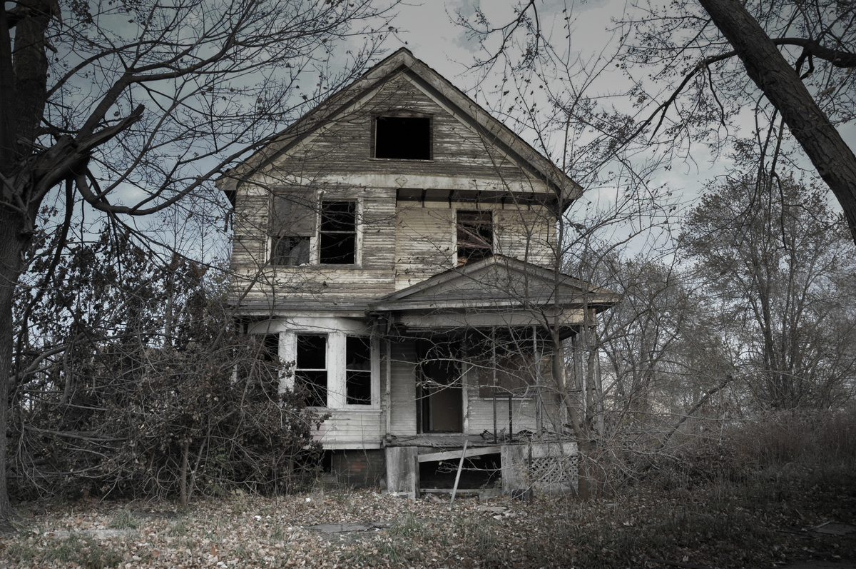 13 spooky looking houses that have inspired ghost stories for Real house pictures