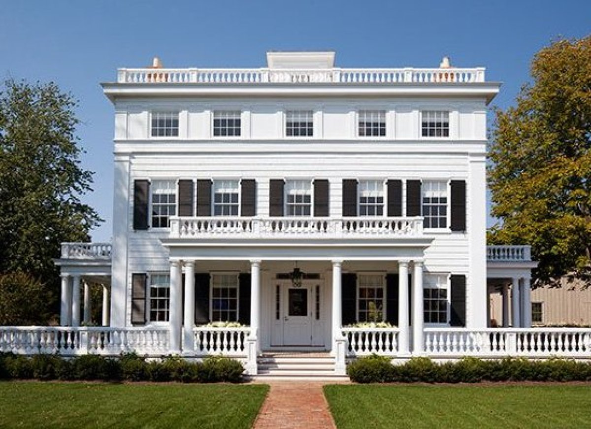 """<em>Photo Credit: Tim Street-Porter</em>  Where: Bridgehampton, NY  A boutique hotel that appeared on our <a href=""""http:/"""