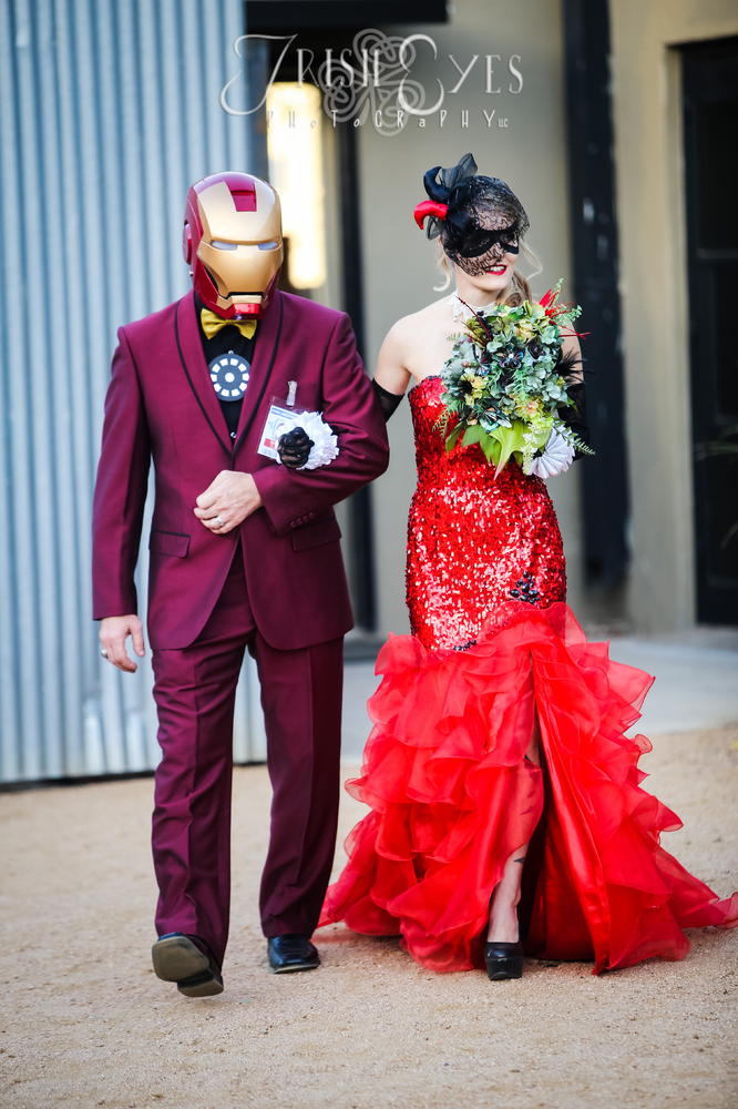 This Batman-Obsessed Couple\'s Comic Book Wedding Packs A Powerful ...