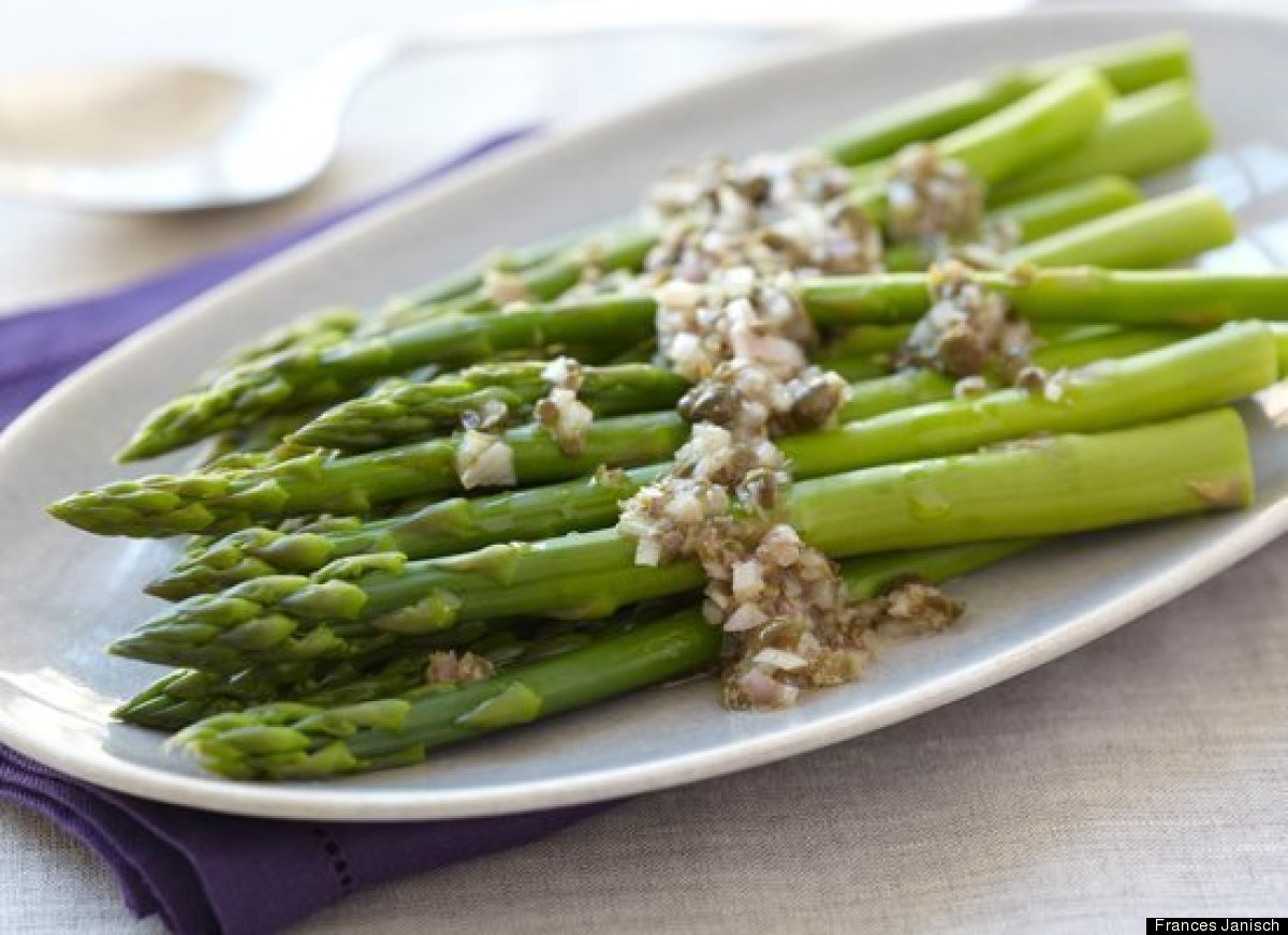 """<strong>Get the <a href=""""http://www.huffingtonpost.com/2011/10/27/asparagus-with-shallot-ca_n_1060889.html"""" target=""""_hplink"""">"""