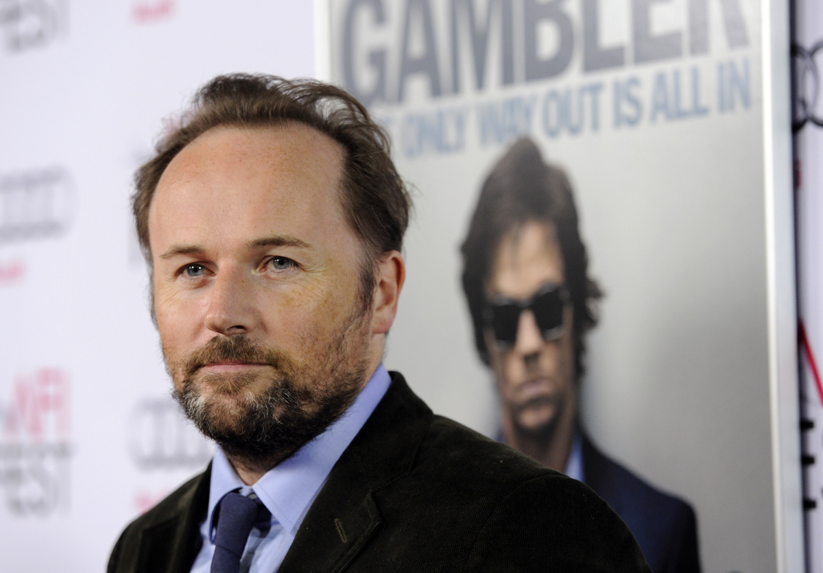 Director Rupert Wyatt stages his remake of Karel Reisz's 1974 film in a way that feels episodic, with Mark Wahlberg's Jim Ben