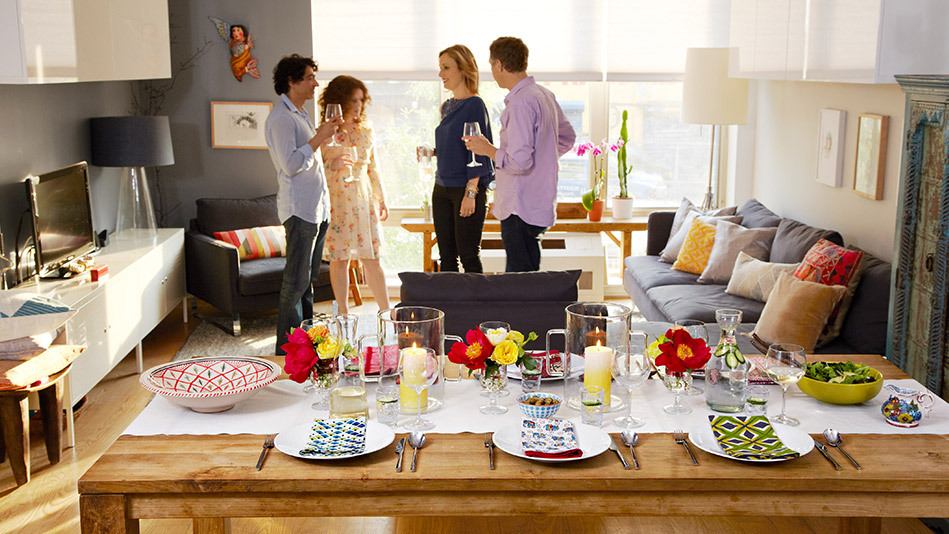 Lee designed a table that's sophisticated, bursting with colorful personality -- and easy to copy. Here's how:  <br><br><stro