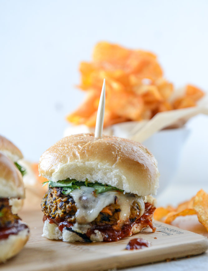 """<strong>Get the <a href=""""http://www.howsweeteats.com/2014/11/black-bean-butternut-sliders-with-chipotle-ketchup/"""" target=""""_bl"""