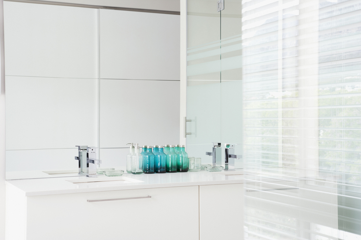 What colors make a bathroom look bigger - How To Make A Small Bathroom Look Bigger Using Clever Decor Tricks Huffpost