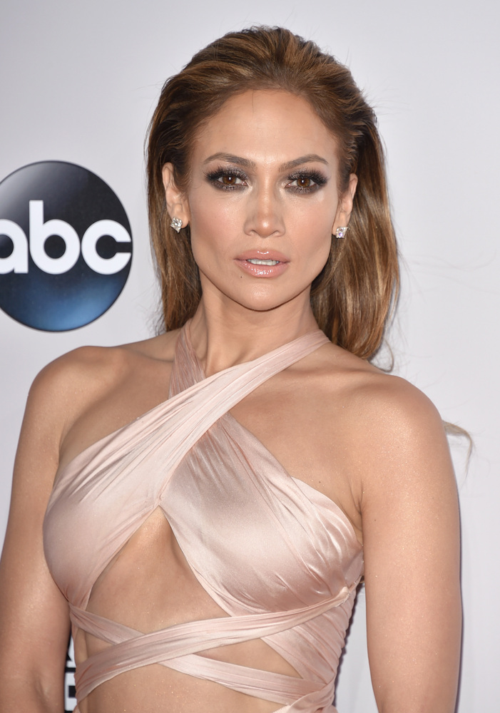 Jennifer Lopez arrives at the 42nd annual American Music Awards at Nokia Theatre L.A. Live on Sunday, Nov. 23, 2014, in Los A