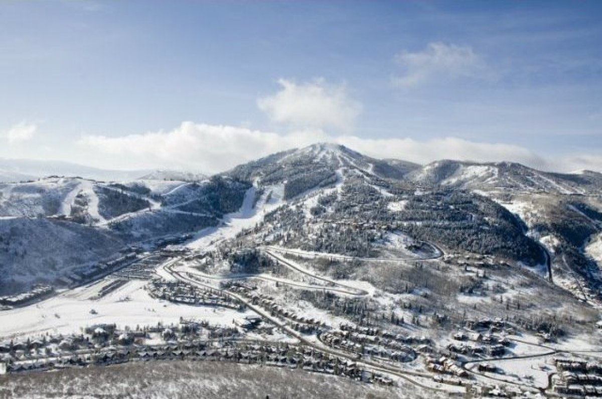 From our readers, Deer Valley earned points for its exceptional après ski culture and family-friendly environment. Recently v