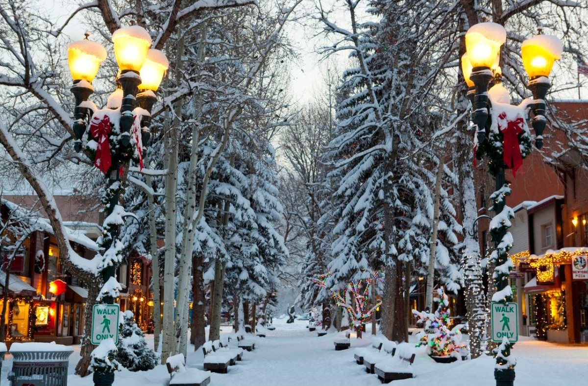 """<strong>See More of <a href=""""http://www.travelandleisure.com/articles/americas-best-towns-for-the-holidays/9?xid=PS_huffpo"""">A"""