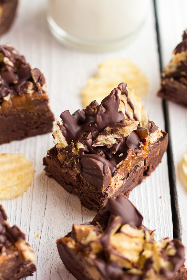 """<strong>Get the <a href=""""http://www.halfbakedharvest.com/loaded-peanut-butter-chocolate-covered-potato-chip-fudge-kitchenaid-"""
