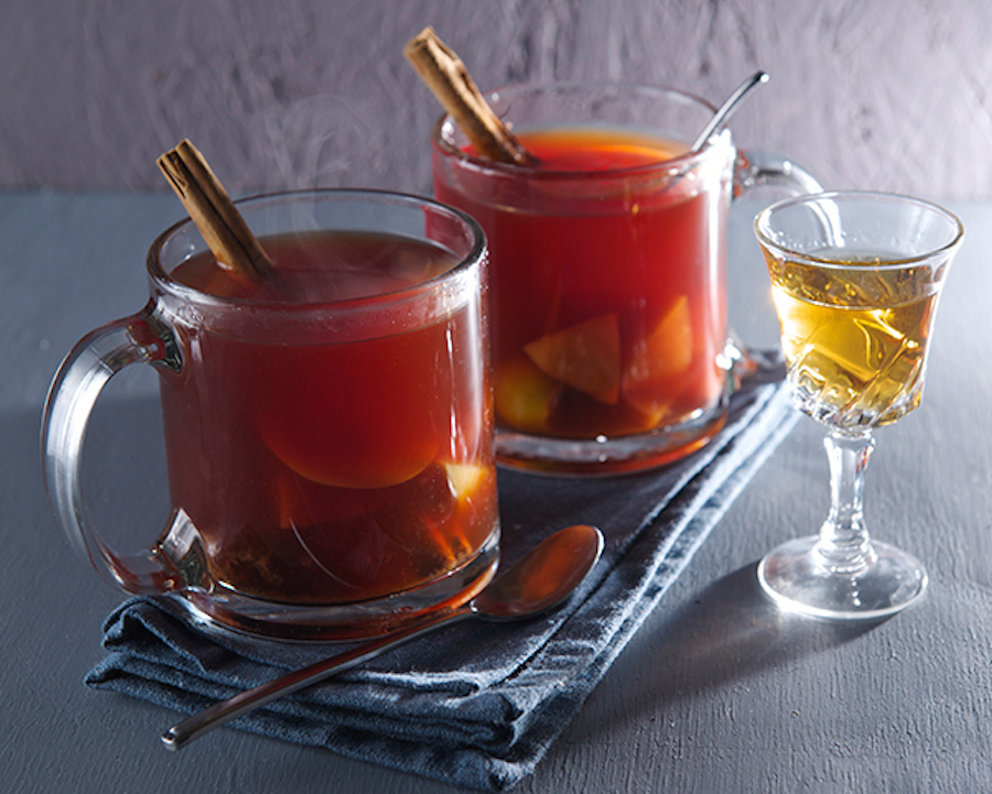 """<strong>Get the <a href=""""http://yes-moreplease.com/2014/12/ponche-de-frutas-warm-fruit-punch/"""">Warm Fruit Punch recipe</a> by"""