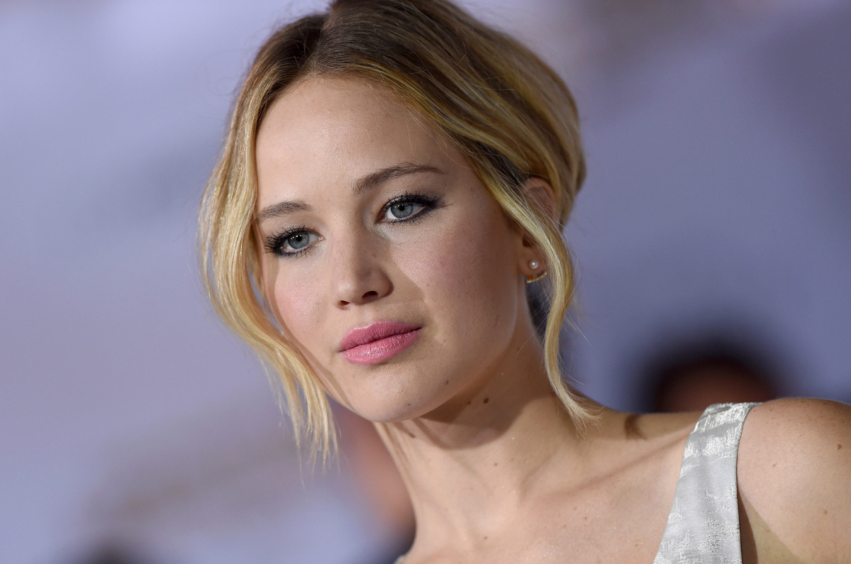 "In September,  <a href=""http://www.huffingtonpost.com/2014/08/31/jennifer-lawrence-nude-photos_n_5745260.html"" target=""_blank"
