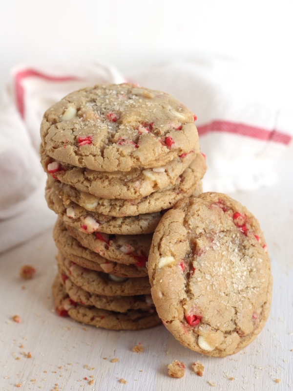 "<strong><a href=""http://www.completelydelicious.com/2013/12/white-chocolate-peppermint-cookies.html"" target=""_blank"">자세한 레시피는"