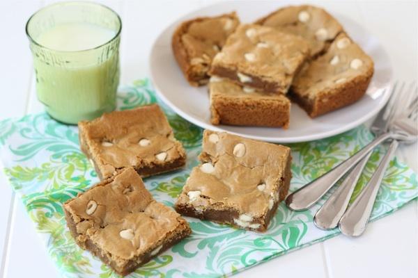 "<strong>Get the <a href=""http://www.twopeasandtheirpod.com/biscoff-white-chocolate-chip-blondies/"" target=""_blank"">Biscoff Wh"