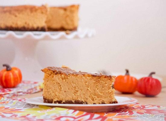 "<strong>Get the <a href=""http://www.ovenadventures.com/2012/10/09/biscoff-pumpkin-cheesecake/"">Biscoff Pumpkin Cheesecake rec"