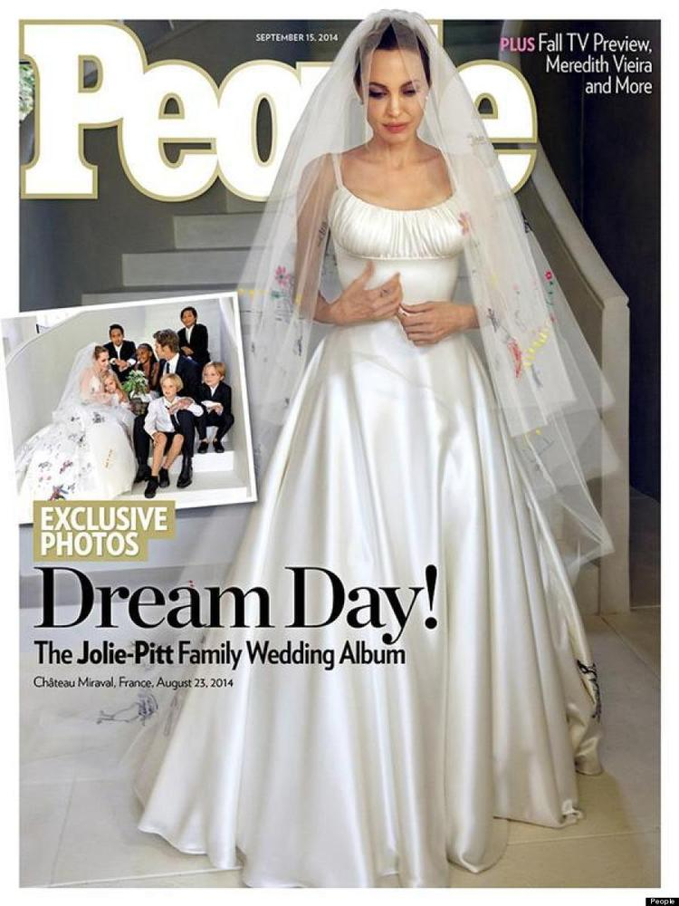"This longtime couple <a href=""http://www.huffingtonpost.ca/2014/09/01/angelina-jolie-wedding-dress_n_5749648.html"" target=""_h"