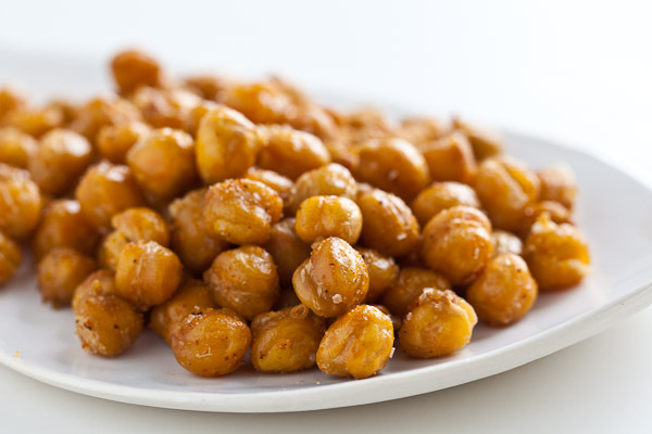 """<strong>Get the <a href=""""http://steamykitchen.com/10725-crispy-roasted-chickpeas-garbanzo-beans.html"""">Crispy Roasted Chickpea"""