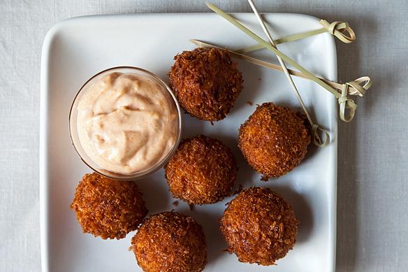 "<strong>Get the <a href=""http://food52.com/recipes/15341-serrano-ham-and-manchego-croquetas-with-smoked-pimenton-aioli"" targe"