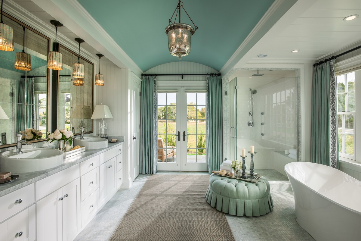Great We Know, Itu0027s Hard To Even Notice The Ceiling Beyond The Soaking Tub And  Private Design Ideas