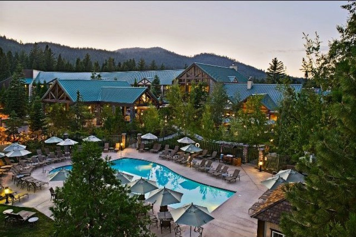 The Tenaya Lodge Yosemite Wellness & Spa Retreat (from January 16-19 in 2015) provides visitors with a diverse itinerary gear