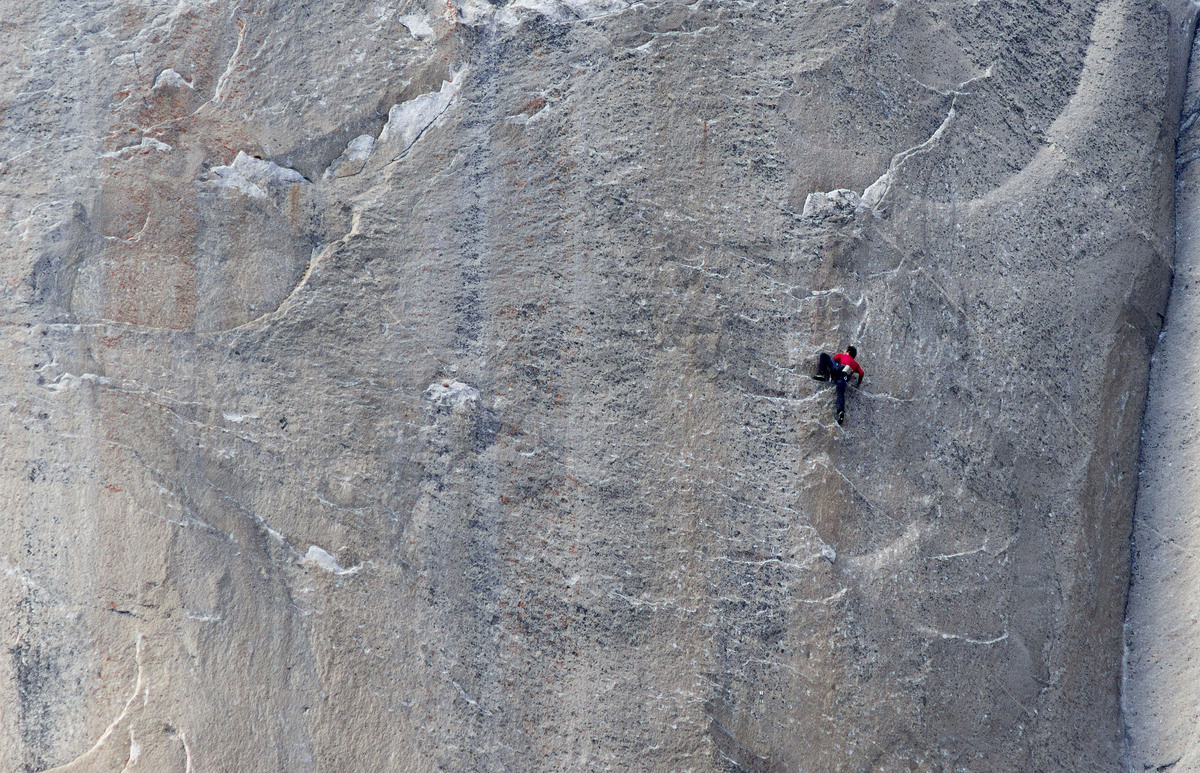 Video Of Climber On Yosemites Dawn Wall Will Leave You On The - Two climbers scale 3000ft hardest route world