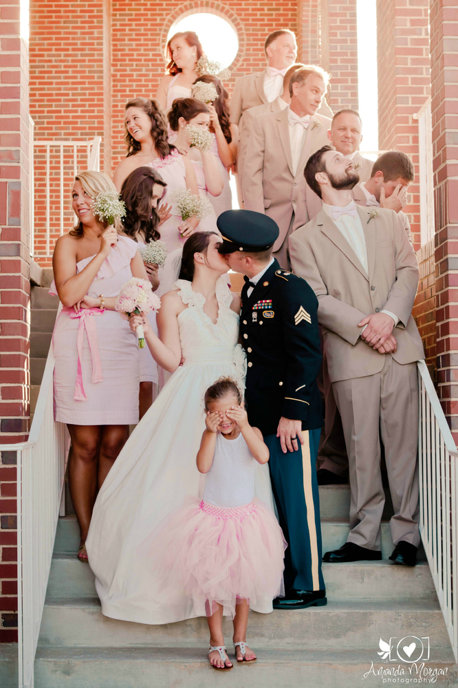 20 Awesome Photo Ideas For Wedding Parties Who Know How To Have ...