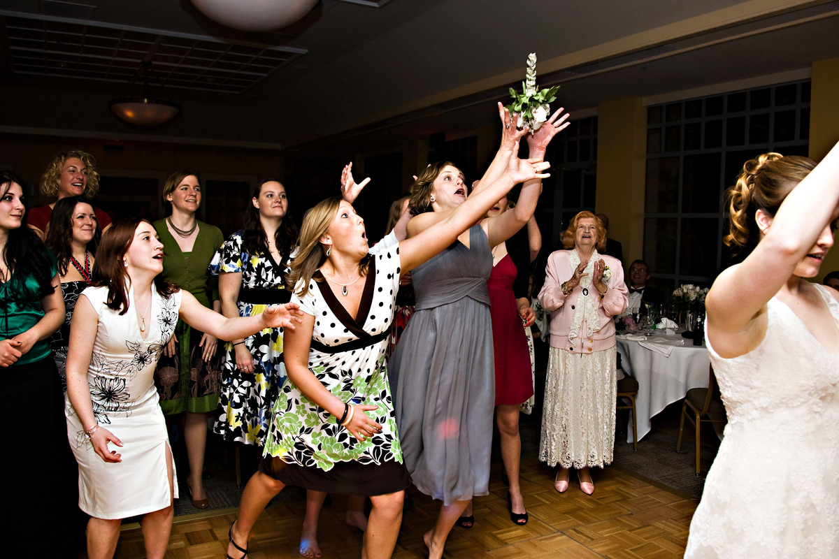 17 LOL Worthy Bouquet Toss Photos For Your Amusement