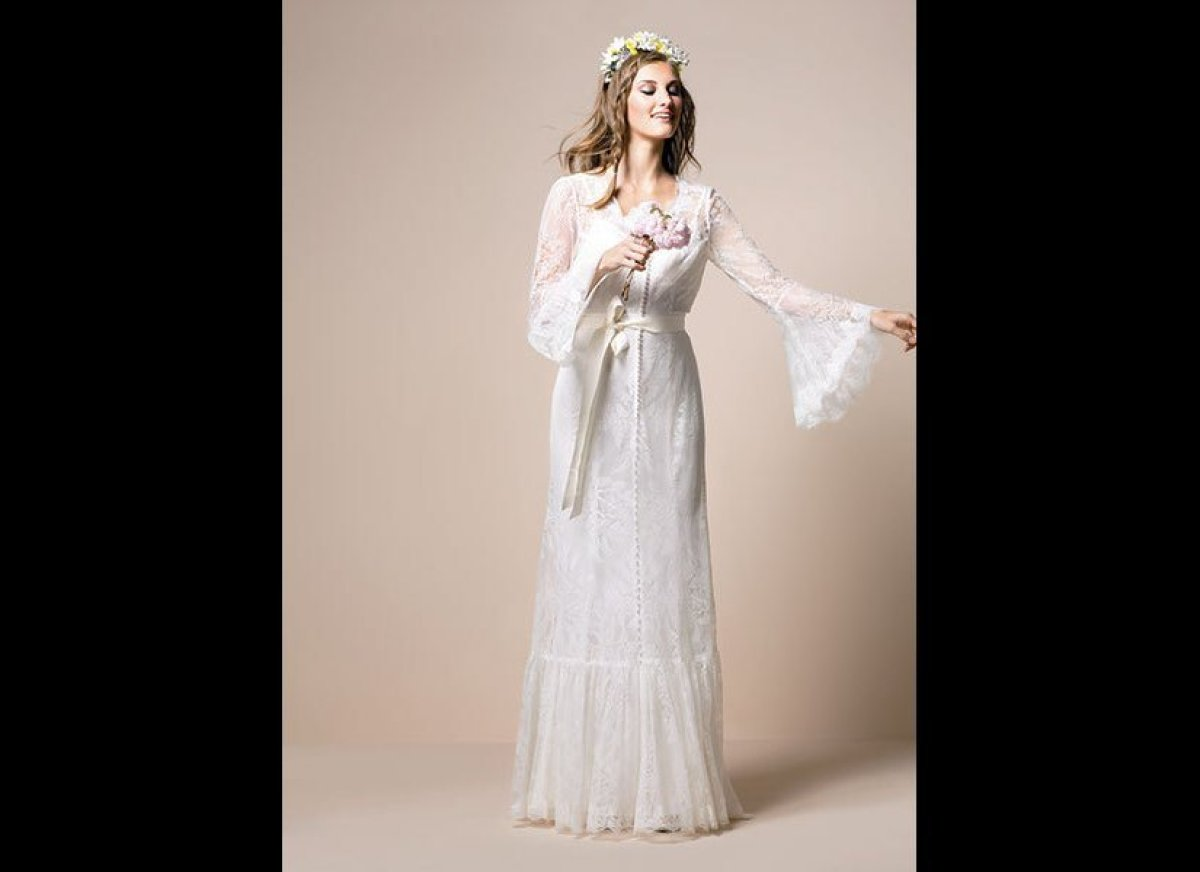 How to find a wedding gown that goes with your zodiac sign for How to find a wedding dress