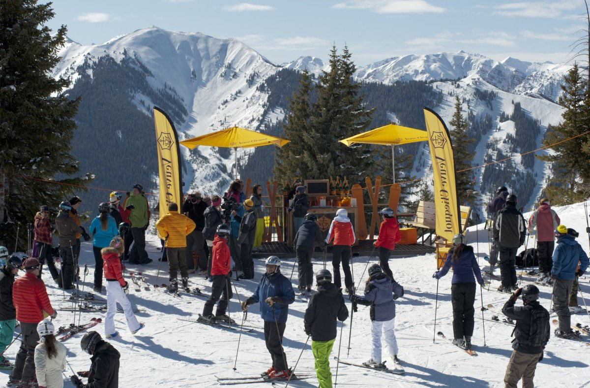 """<strong>See More of the <a href=""""http://www.travelandleisure.com/articles/hottest-apres-ski-bars/9?xid=PS_huffpo"""">Hottest Apr"""