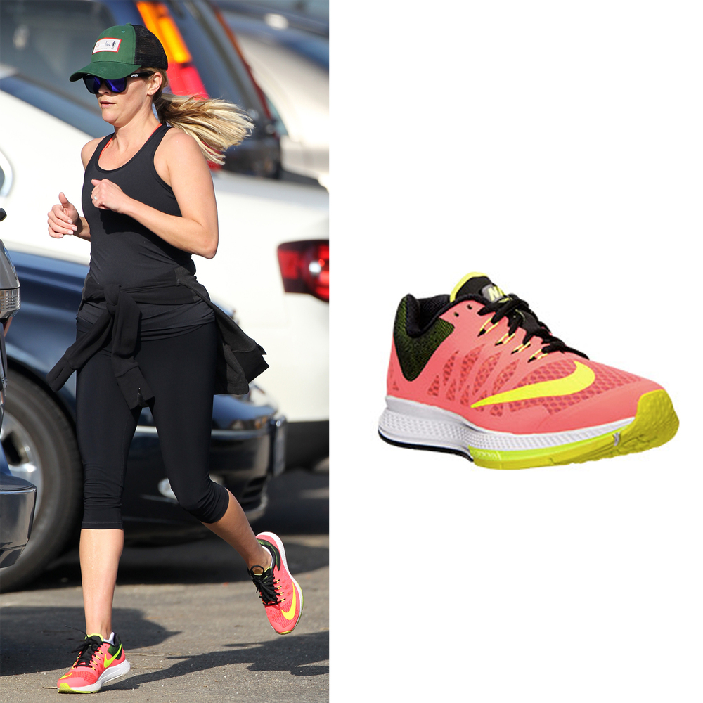 "<a href=""http://www.finishline.com/store/catalog/product.jsp?productId=prod757688"" target=""_blank"">Women's Nike Air Zoom Elit"
