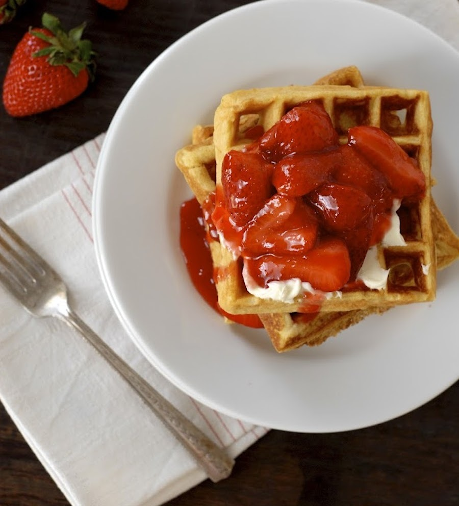 """<strong>Get the <a href=""""http://kumquatblog.com/2012/05/frito-waffles-with-mascarpone-and-warm-strawberry-compote.html"""" targe"""