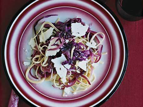 "<strong>Get the <a href=""http://www.huffingtonpost.com/2011/10/27/linguine-with-red-cabbage_n_1058528.html"">Linguine With Red"