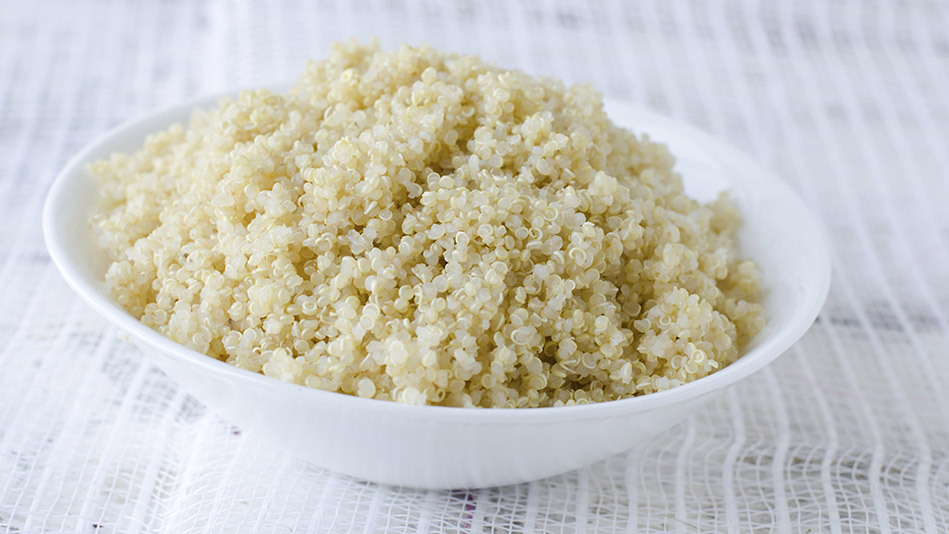 In a medium saucepan, bring 4 cups water, 1 2/3 cups quinoa (rinsed) and a pinch of salt to a boil. Reduce heat to low and si