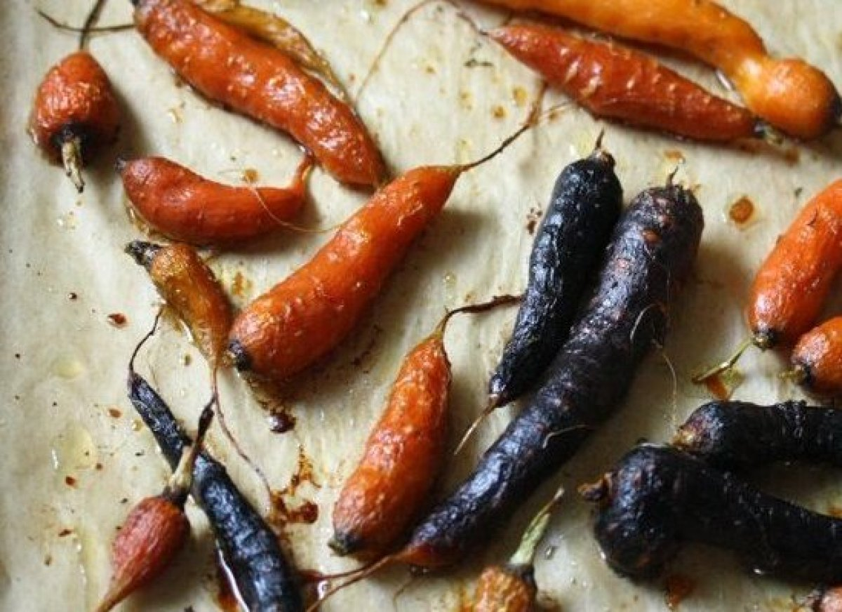 These honey roasted carrots with thyme are a great replacement for those bunnies looking to steer clear of their Easter baske