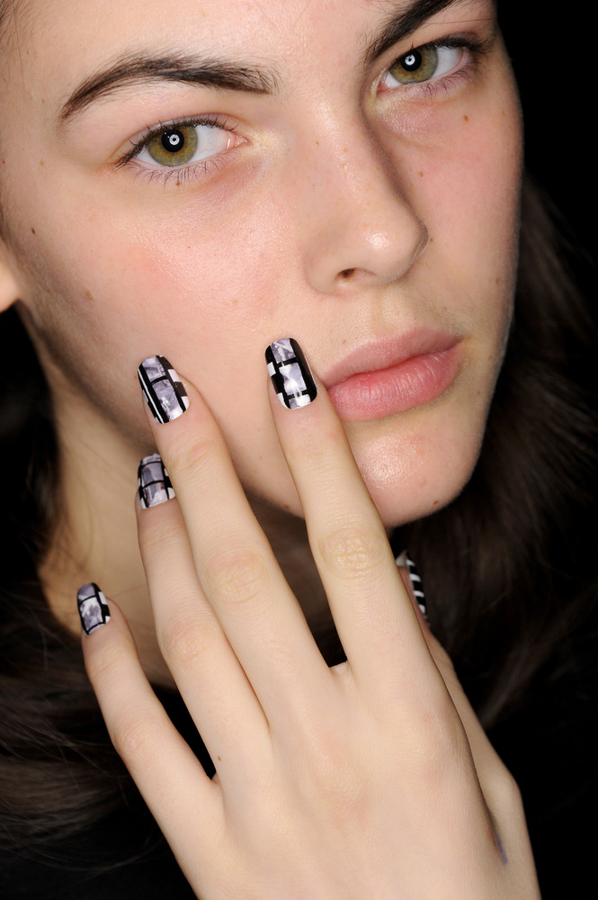 How The Craziest Nail Art At New York Fashion Week Comes To Life ...