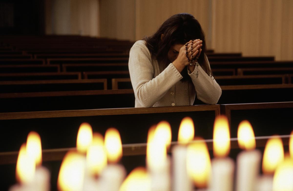 Resultado de imagen de rezando