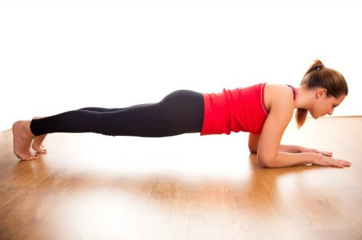 A top exercise for strengthening your core and back, planks come in many different forms—side planks, Chaturanga planks, exte