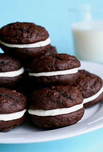 """<strong>Get the <a href=""""http://www.annies-eats.com/2010/05/28/chocolate-marshmallow-whoopie-pies/"""" target=""""_blank"""">Chocolate"""