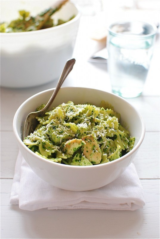"<strong>Get the <a href=""http://bevcooks.com/2013/04/farfalle-pasta-with-chicken-and-spinach-pesto/"" target=""_blank"">Farfalle"